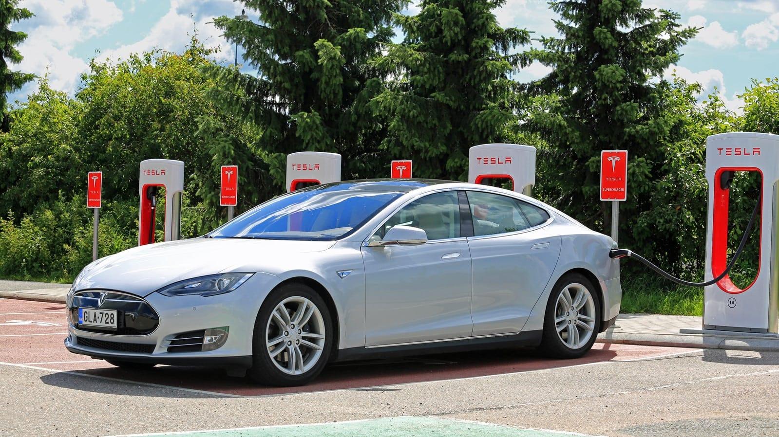 Charging Tesla Model S Battery at Tesla Supercharger Station
