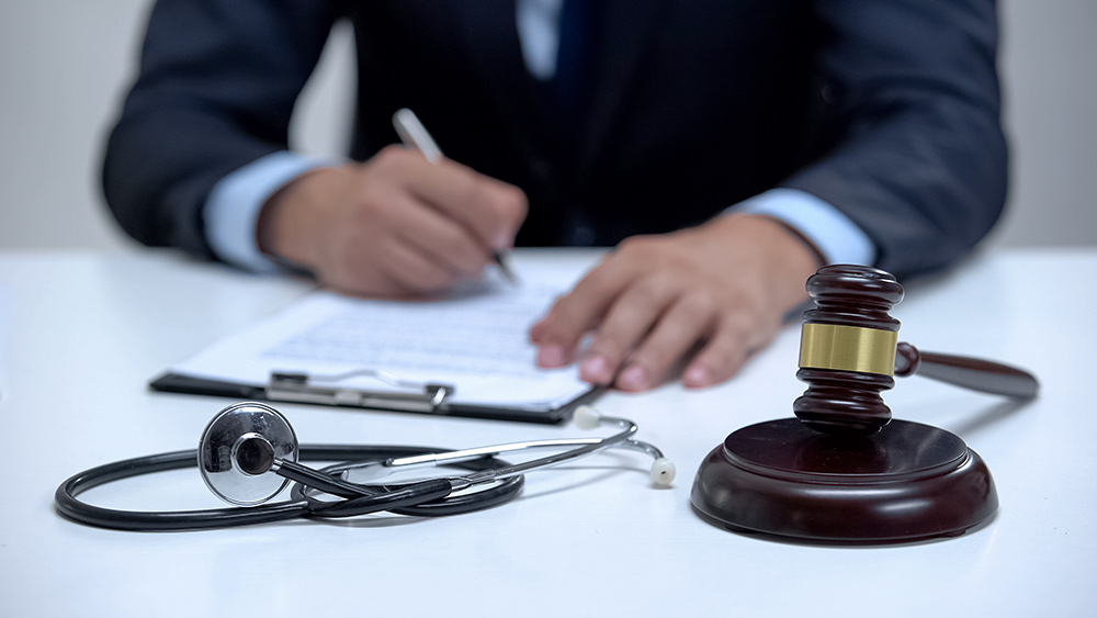 awyer filing a medical malpractice lawsuit