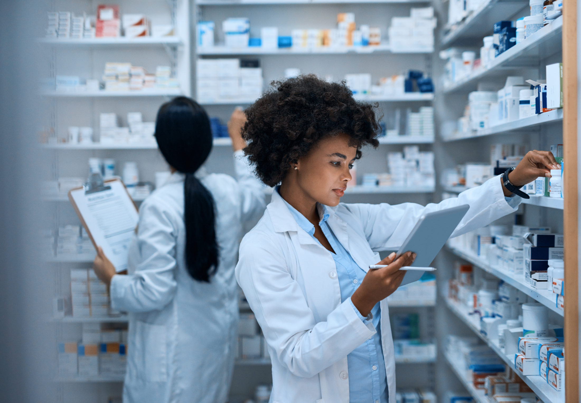 pharmacist removing Belviq® from the shelves
